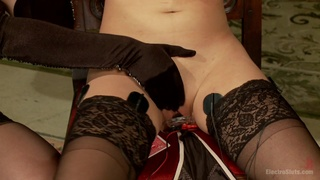 Lesbians are sharing the bed for a nice femdom XXX