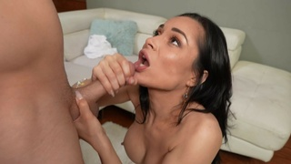 Fake boobs trophy wife Crystal Rush knows how to pleasure a dick