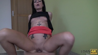 Young mommy Inga gives a blwojob and rimjob for loan