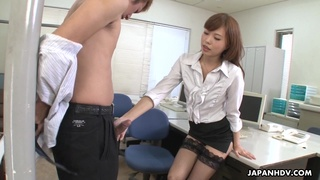 Naughty Asian girl Aihara Miho seduces timid colleague and bangs him in the office