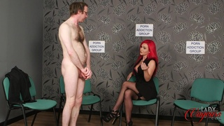 Mature dude with a small dick gets turned on by Roxi Keogh