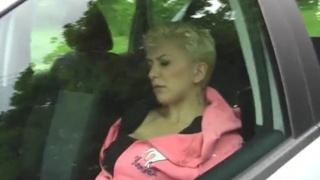 Naughty amateur Mai Bailey spreads her legs to tease in the car
