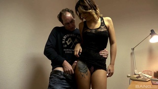 Dude ploughs Natalie Hot's tight asshole and makes her shiver and moan