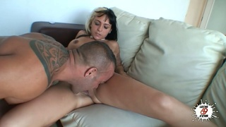 Girl from the beach fucks with muscular bull