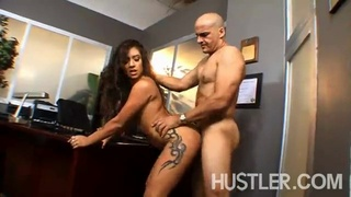Amazing sex in the office with the hot latina jynx maze