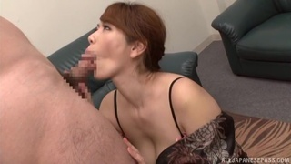 Japanese mom fucked in a serious cam show