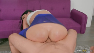 Energized chick dazzles with the most addictive anal
