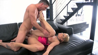 Energized MILF spins the dick up her ass like a pro