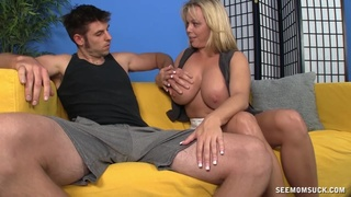 Cougar mom wants the young dong to fuck her restless