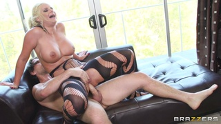 Dirty wife Phoenix Marie enjoys having sex with two massive dicks
