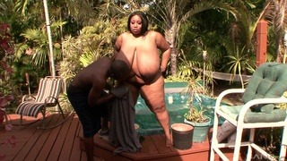 Cotton Candy uses her super sized physique to put a man under pressure