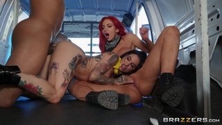 Bang bus extreme sex in a fantasy threesome