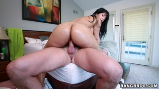 Dick riding mom ends up jizzed