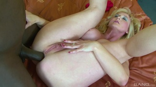 Amateur blonde with big jugs, mature anal sex with a black dude