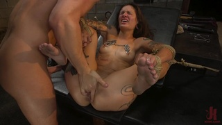 Tattooed sub Luna Lovely's intense anal bang in the dungeon