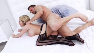MILF gets her pussy torn apart once hubby returns from a long trip