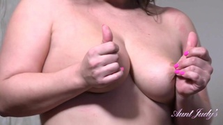 Chubby Aunt Montse Rubs Her Pussy