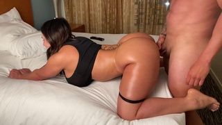 MILF with big ass Yinyleon receives wet oral sex & anal penetration - monster tits