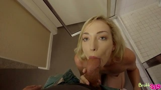 Taking a shower blond head Zoe Parker stands on knees to give head