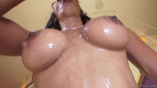 Sexy bubble butt on this cock swallowing Latina babe